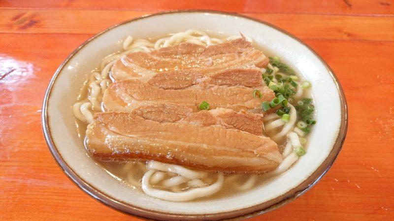 沖縄市海邦町つるりんこうの三枚肉そば