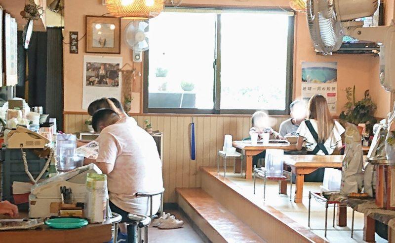 沖縄市海邦町つるりんこうの店内