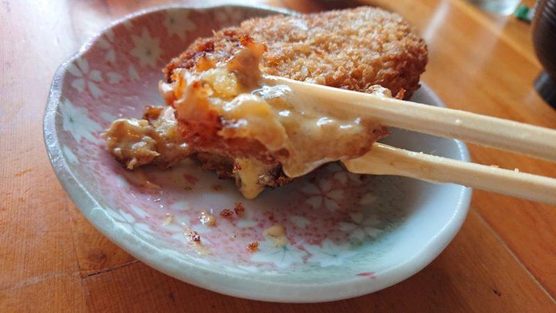 沖縄市登川ぎるー食堂のコロッケ