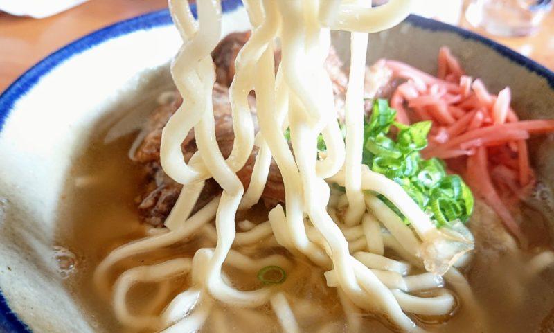 沖縄市久保田知念製麺所の麺