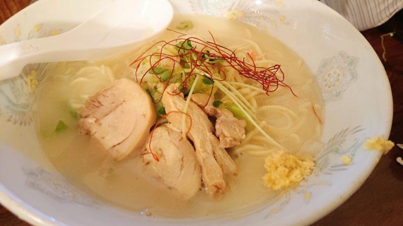 鶏力(トリッキー)沖縄市上地中の町のとりこつラーメン