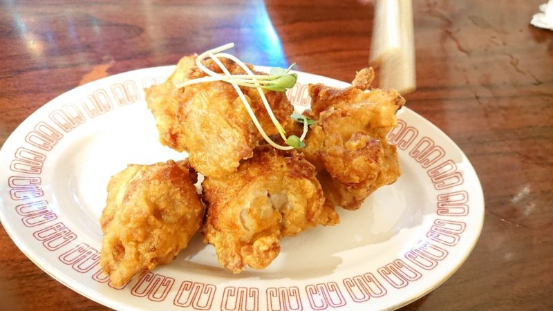 沖縄市上地鶏力(トリッキー)の唐揚げ