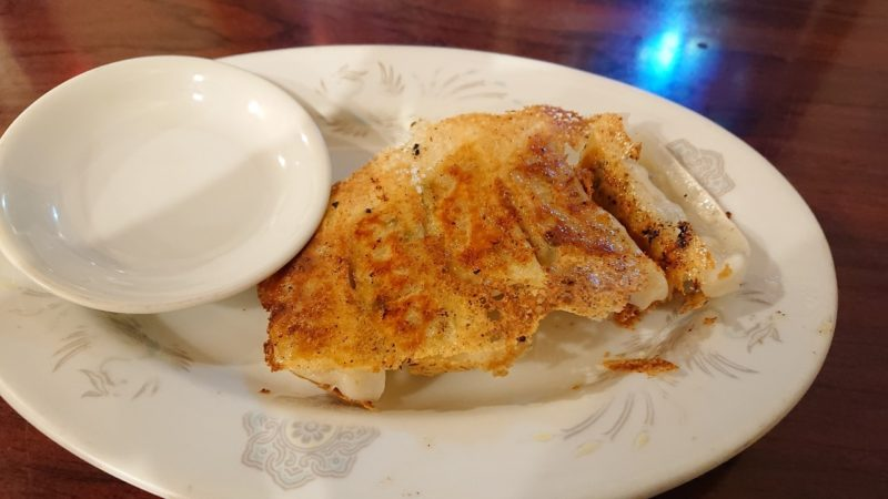 沖縄市上地鶏力(トリッキー)の薄皮餃子