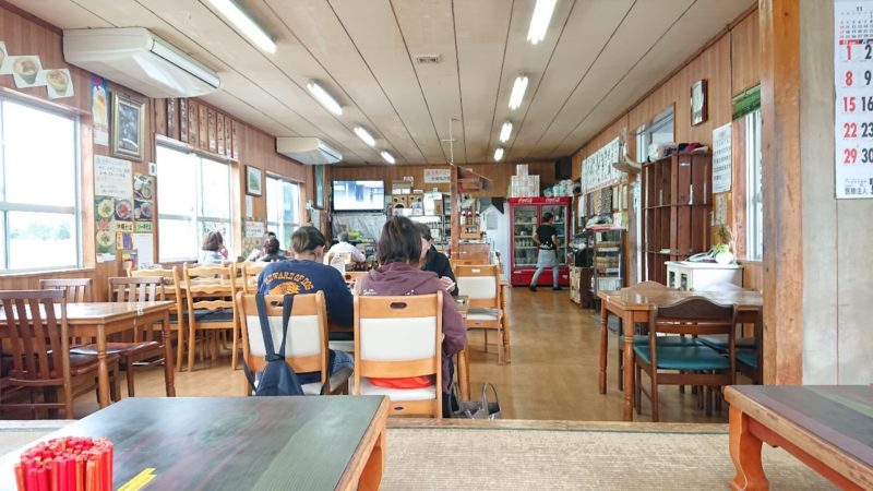 沖縄市登川当南食堂の店内