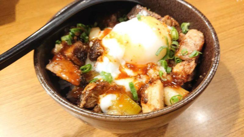 ラーメン暖暮沖縄市美原の豚玉ご飯