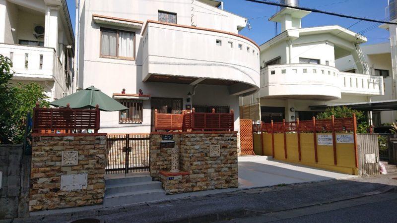 沖縄市美里仲原町BELLHOUSE(ベルハウス)の外観