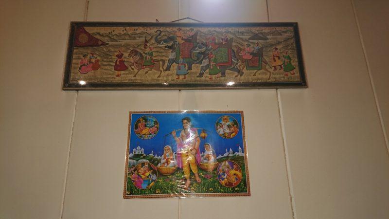 沖縄市上地コザミュージックタウンのパールさん家のカリー&ナンのインドの神様