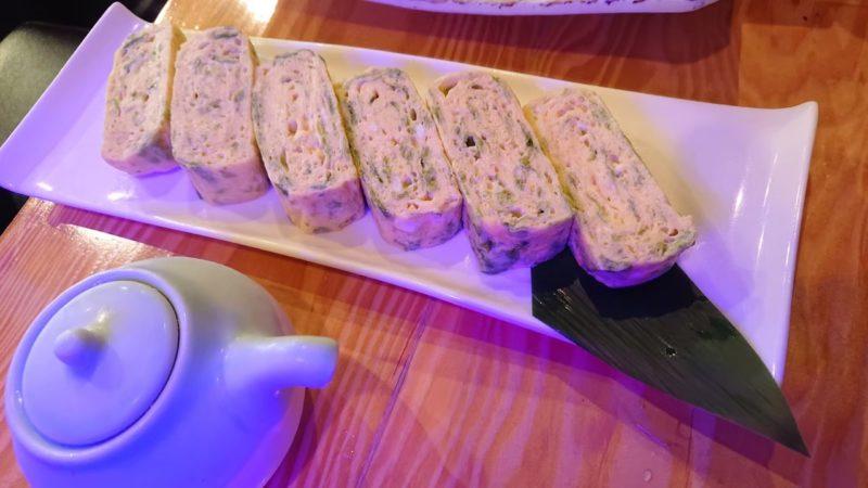 沖縄市上地中の町魚幸(うおさち)のアーサの出し巻玉子