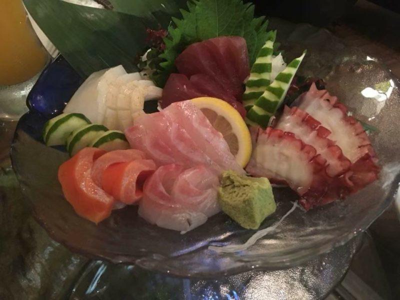 沖縄市上地中の町魚幸(うおさち)の刺身