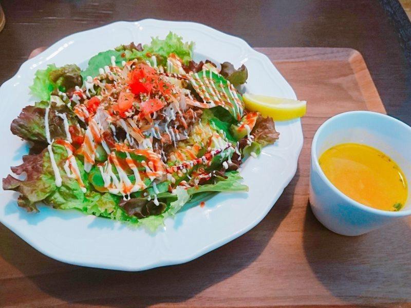 沖縄市胡屋バードランドカフェのオーバーライス(ビーフ)