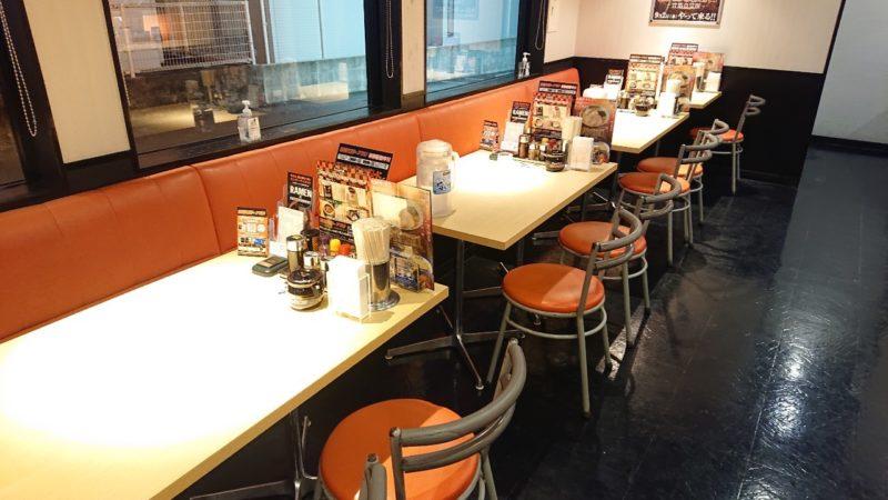 らあめん花月嵐沖縄市美原のテーブル席