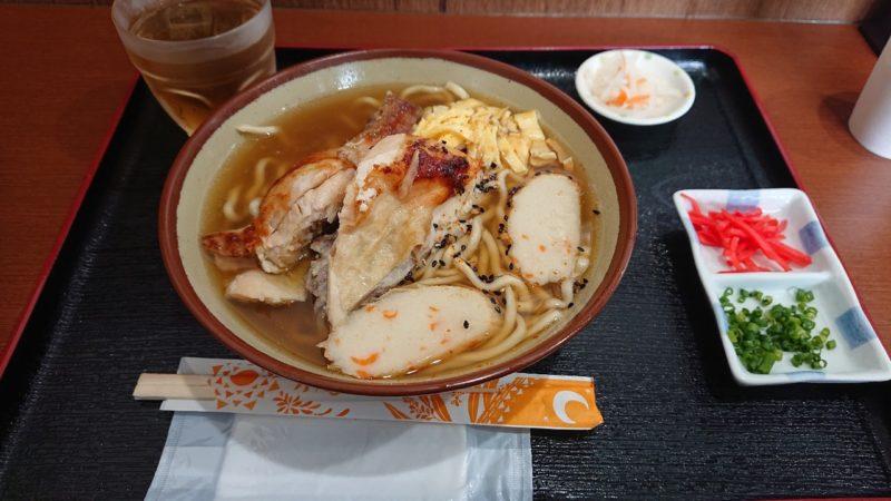 チキンの丸焼きこっころこ沖縄市泡瀬のチキンそば