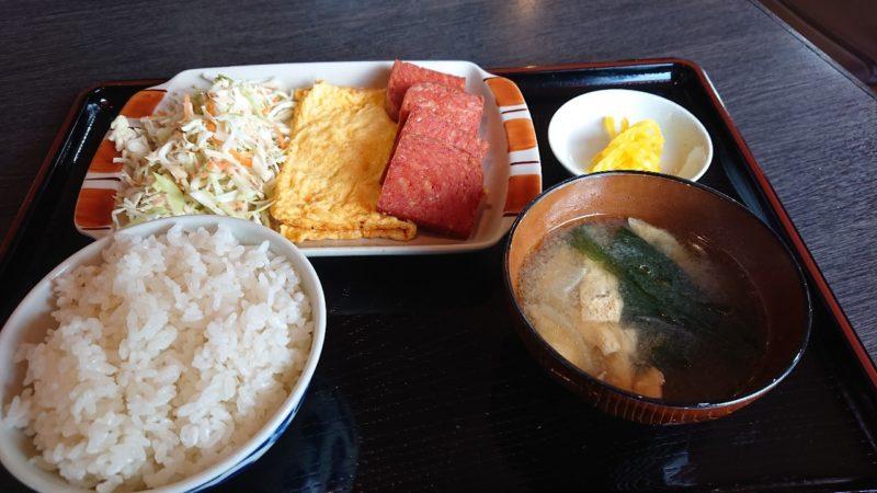 食堂サムウェイ沖縄市古謝のポークたまご