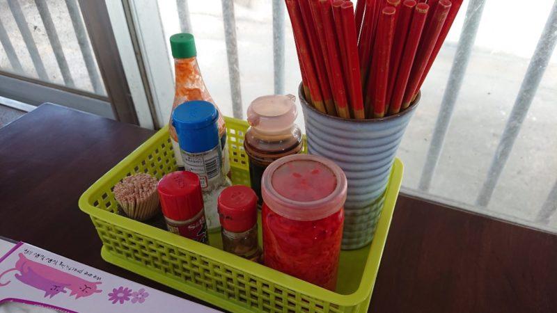 まつもと食堂沖縄市松本の調味料