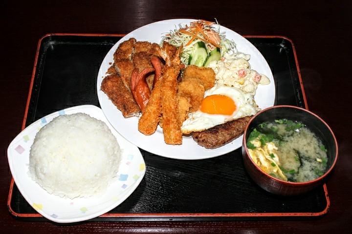 まつもと食堂沖縄市松本のまつもとランチ