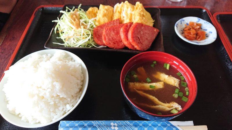 巨鍋食堂沖縄市南桃原のポークたまご