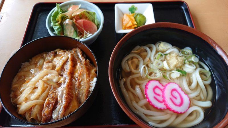 慶山うどん沖縄市松本のかつ丼セット