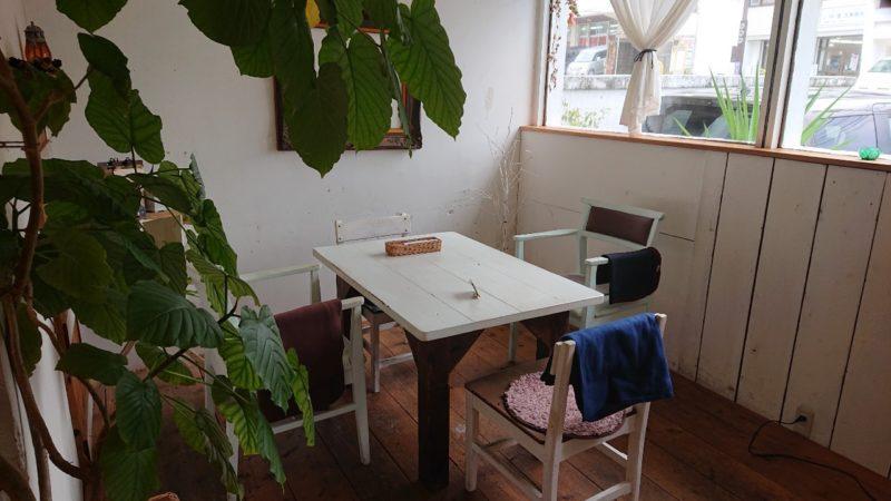 imacafe(イマカフェ)沖縄市上地の店内