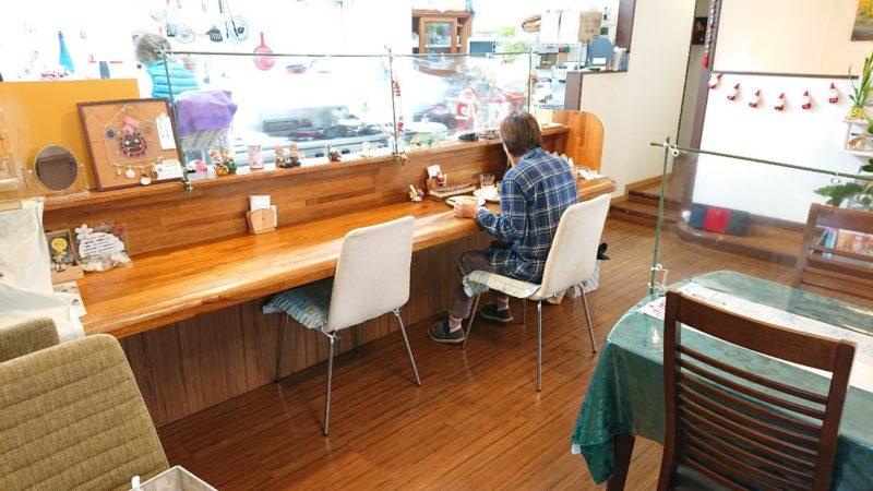 カフェがじゅまるの木沖縄市比屋根の店内