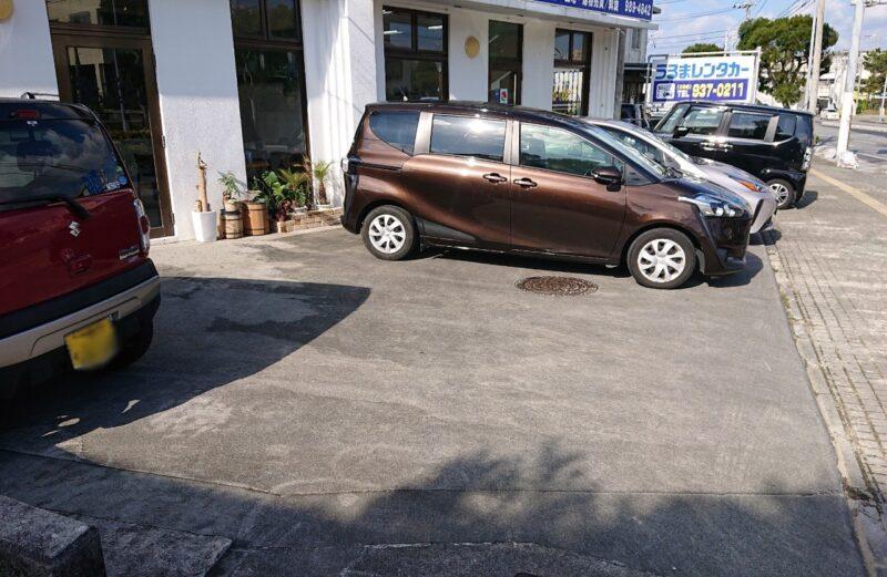 Zu-Zu sandcafe(ズズ サンドカフェ)沖縄市美里の駐車場