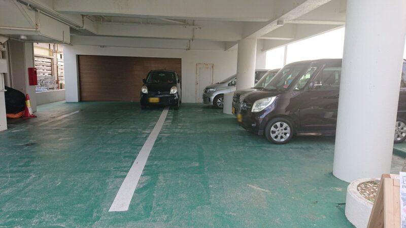 JETSWEETS(ジェットスイーツ)沖縄市泡瀬の駐車場