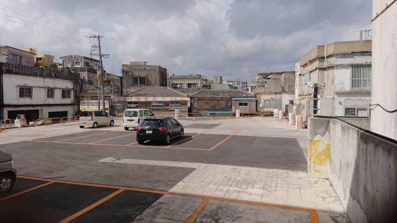 cafeNooR(ノア)沖縄市銀天街の駐車場