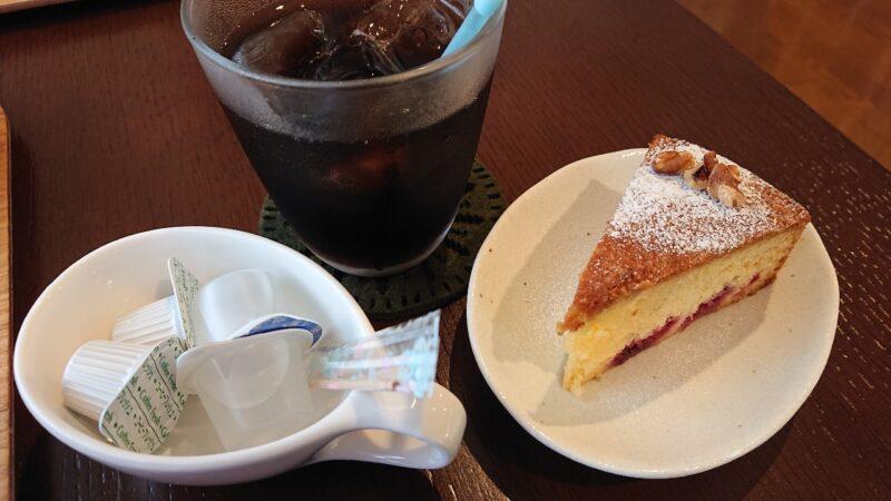 cafeめろん堂沖縄市海邦のめろん堂のデザート、コーヒー