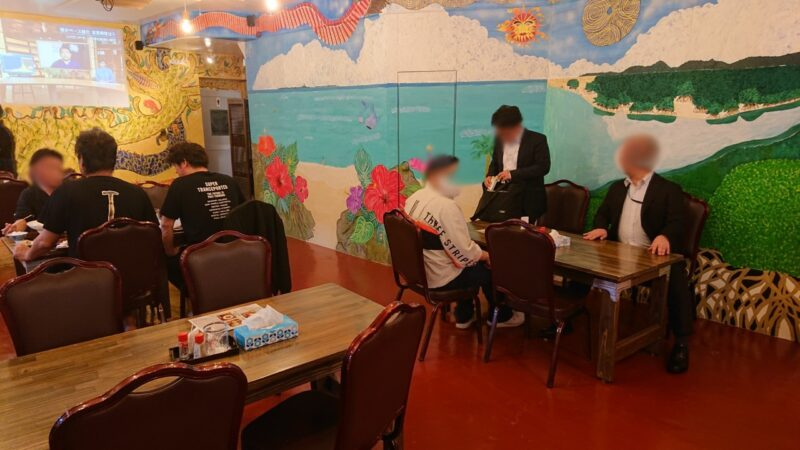 あご出汁らーめん樽斗(たると)沖縄市中央パルミラ通りの店内