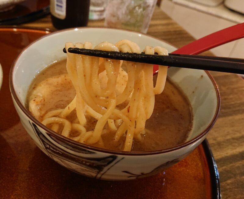 あご出汁らーめん樽斗(たると)沖縄市中央パルミラ通りのつけ麺