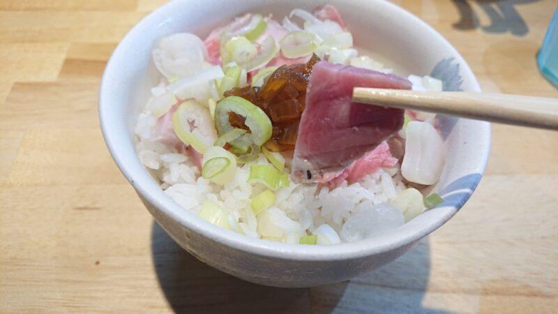 中華そばいとの沖縄市泡瀬のローストポーク丼