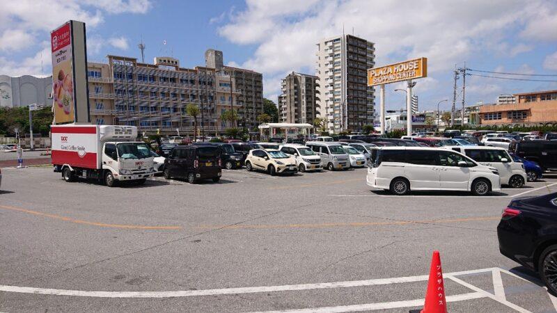 セニョールターコプラザハウス沖縄市久保田の駐車場