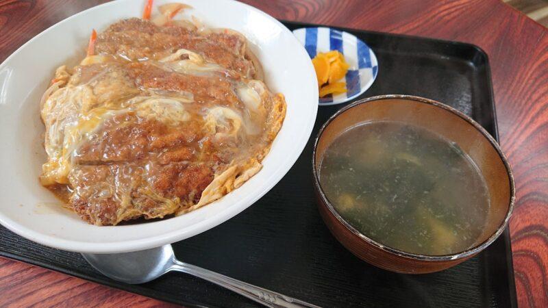 大衆食堂つかでん!沖縄市松本のカツ丼