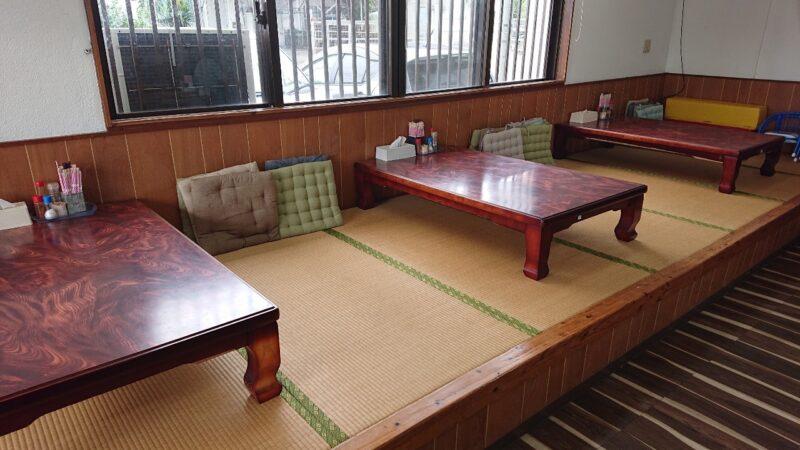 大衆食堂つかでん!沖縄市松本の座敷