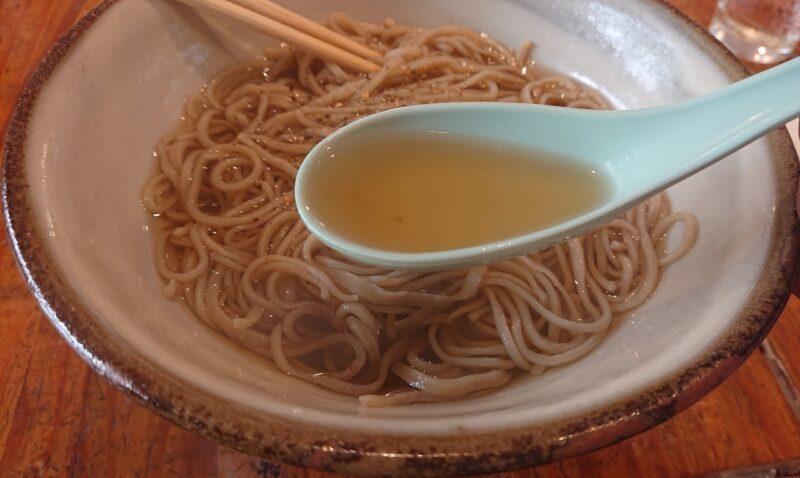 CHIHANA CAFE(チハナカフェ)・庵土(あんど)沖縄市胡屋のかけそばのつゆ
