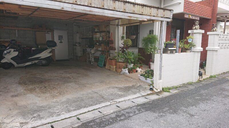 CHIHANA CAFE(チハナカフェ)・庵土(あんど)沖縄市胡屋の駐車場