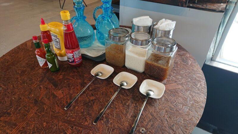 カフェBYS(バイス)沖縄市仲宗根町のドレッシング、調味料