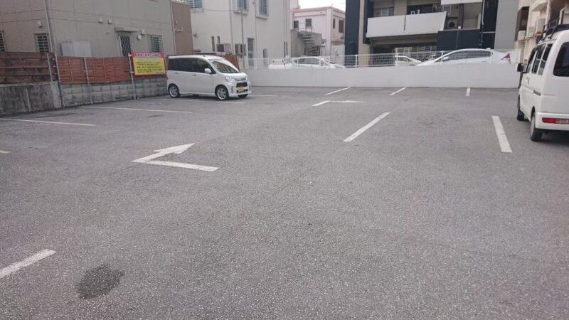 みやざと弁当沖縄市宮里の駐車場